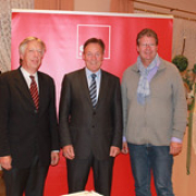 "Ernst Dieter Rossmann mit dem Fraktionsvorsitzenden der SPD-Bundestagsfraktion Thomas Oppermann und dem SPD-Kreisvorsitzenden Thomas Hölck • <a style=""font-size:0.8em;"" href=""http://www.flickr.com/photos/89091438@N06/14979845293/"" target=""_blank"">View on Flickr</a>"