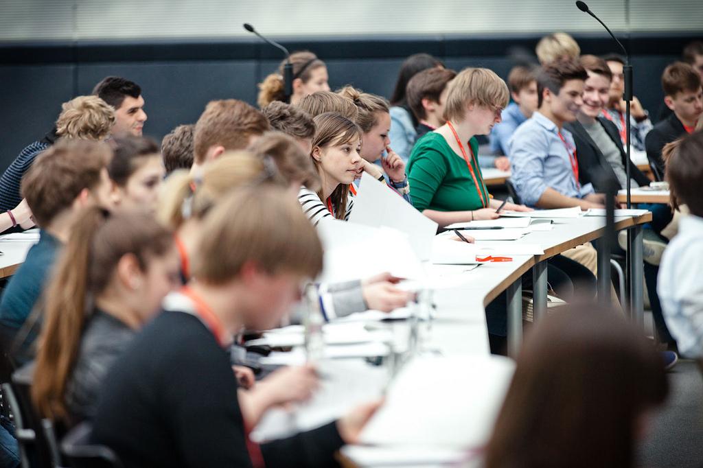 Jugendliche bei der Debatte im Deutschen Bundestag (Foto: Patryk Witt)