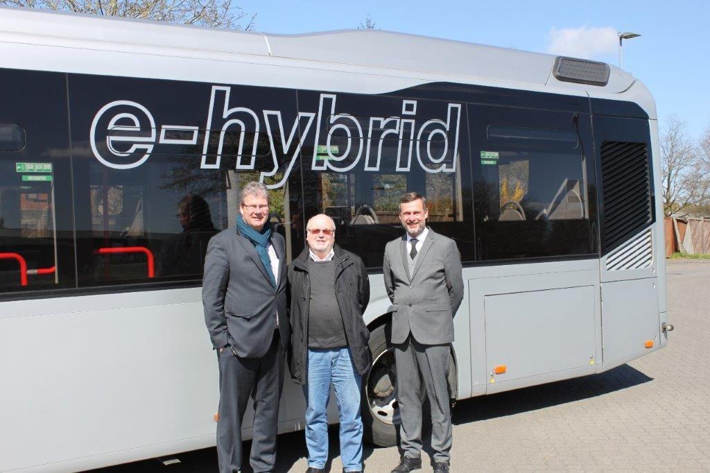 Tauschten sich über den Stand der E-Mobilität im ÖPNV aus: SPD-MdL Thomas Hölck, Kreistagsmitglied Helmuth Jahncke und KViP-Geschäftsführer Dr. Thomas Becker.