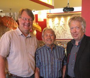 Manfred Mörker und Gerd Adamowski mit Dr. Ernst Dieter Rossmann bei der Informationsfahrt nach Berlin