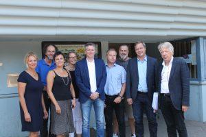 Dr. Ernst Dieter Rossmann zusammen im Gespräch mit Landtagsabgeordneten Kai und Vertreterinnen und Vertretern der Schulallianz