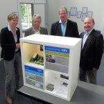 Freuten sich über das gemeinsame Projekt PANaMa von AZV-Auszubildenden und Elmshorner Anne-Frank-Schülern: AZV-Vorsteherin Christine Mesek und die SPD-Politiker Ernst Dieter Rossmann, Thomas Hölck und Dietmar Voswinkel.